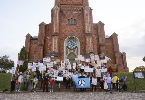 Rauhanharjoitus keräsi satakunta antimilitaristia Loviisaan