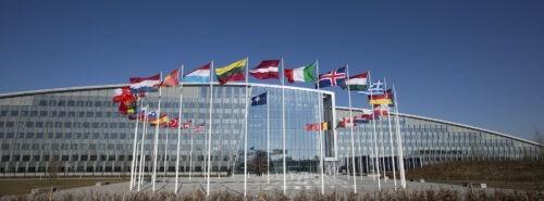 Monen Nato-maan entiset päättäjät vetoavat ydinasekieltosopimukseen liittymisen puolesta