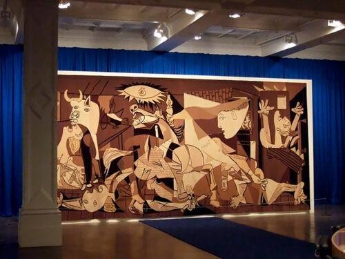 Guernica on sodanvastainen merkkiteos